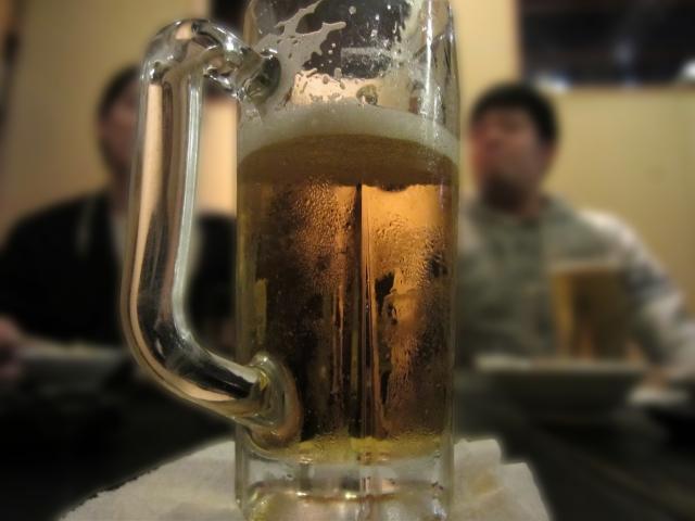 生ビールとビールの違いは?大中小ジョッキの量が気になる!