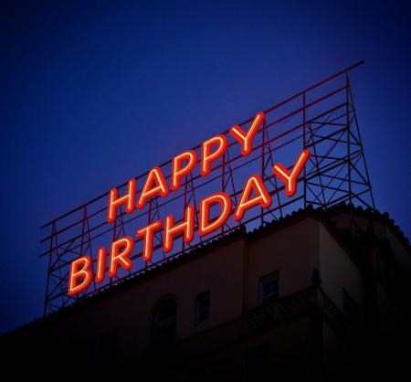 バースデーソングベスト5!洋楽も邦楽も!歌で誕生日を盛り上げよう!バースデーケーキとろうそくの秘密も公開