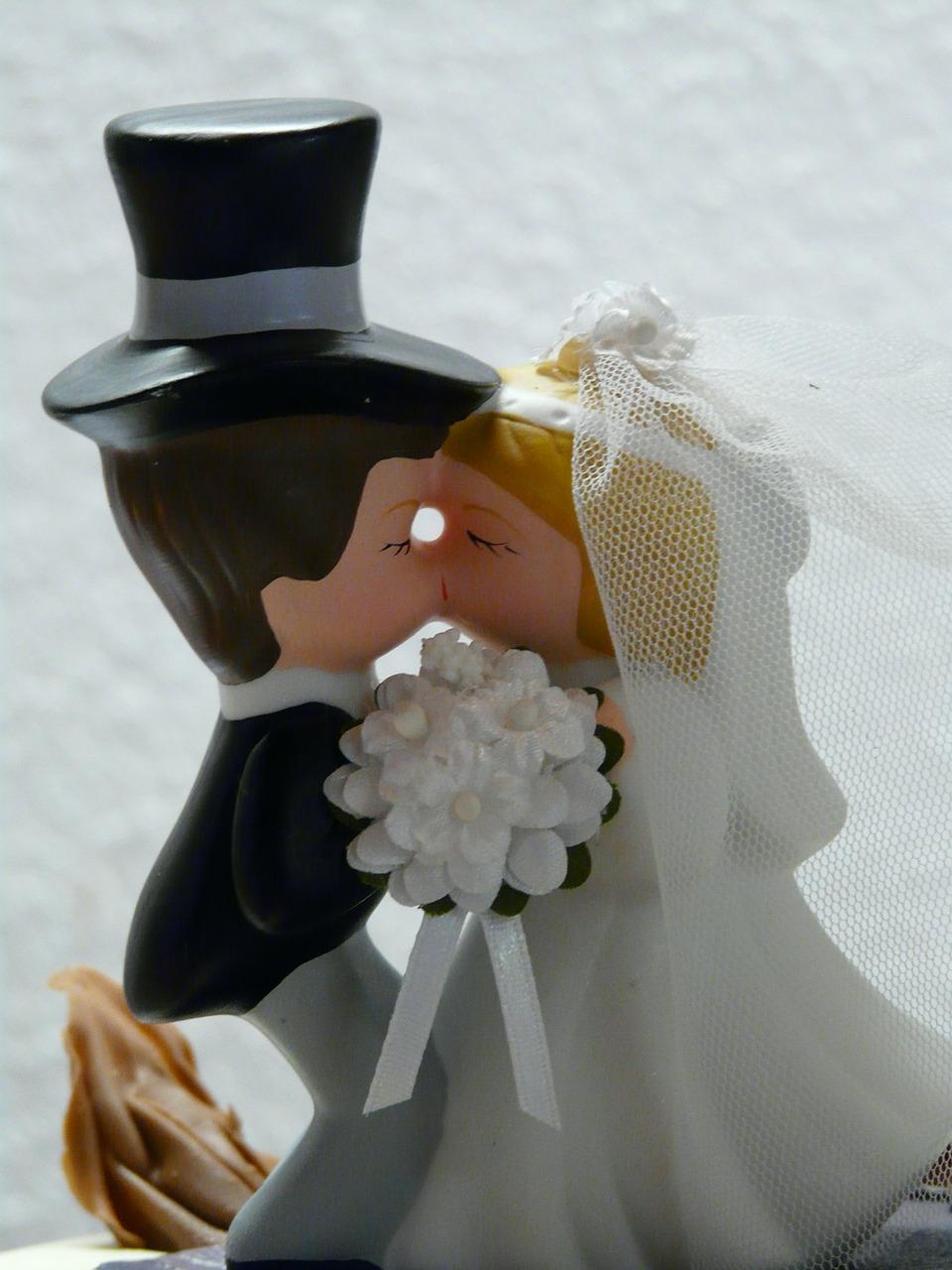 結婚前の両親への挨拶・お土産・お礼状について「あなたはどれだけ知っていますか?」